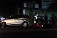 Ô tô gây tai nạn kép, hàng chục người bỏ chạy