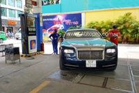 Phan Thành lái xe siêu sang Rolls-Royce Wraith 19 tỷ Đồng dạo phố