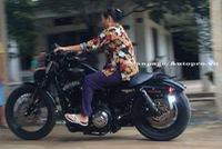 Gặp gỡ má Mười U70 vẫn cầm lái mô tô Harley-Davidson 48