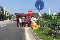 Xe tải đâm xe máy trên Quốc lộ 1A khiến 1 người tử vong