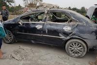 Hưng Yên: Ô tô tải chở vật liệu xây dựng lật ngang, Honda Civic và Toyota Vios bị