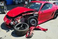 Không chỉ nỏng nặng sau tai nạn, xe tiền tỷ Porsche 718 Cayman 2017 còn bị chủ bỏ rơi