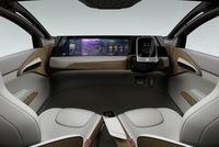 Khi không còn phải tự mình lái xe, buồng lái dành cho tài xế sẽ trông như thế nào trong xe tự lái?