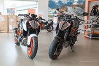 Cận cảnh 2 chiếc naked bike KTM 1290 Superduke R 2017 đầu tiên về Việt Nam