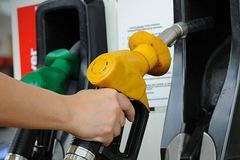 Vì sao bình xăng 50 lít có thể đổ tới 56 lít?