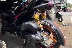 Người dùng tự chữa bệnh cong giảm xóc sau của Yamaha NVX 155