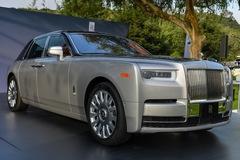 """Mãn nhãn với những hình ảnh """"bằng xương, bằng thịt"""" của xe nhà giàu Rolls-Royce Phantom 2018"""