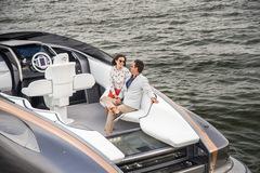 Lexus chính thức ra mắt mẫu du thuyền thể thao của riêng mình