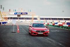 Thử nghiệm Honda Civic Turbo 2017 trên trường đua Đại Nam