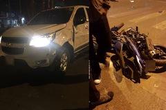 Hà Nội: Yamaha Exciter chở 3 đâm vào Chevrolet Colorado, 1 thanh niên tử vong