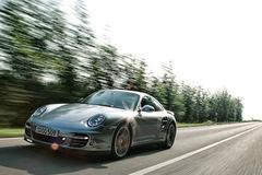 Porsche 911 Turbo 2009: Sức mạnh bên trong sự tinh tế