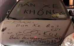 Hà Nội: Honda CR-V phủ bụi và câu chuyện gạ bán xe hài hước ngay trên nắp ca-pô