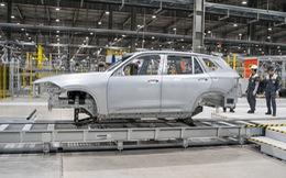 Lộ diện bộ khung vỏ VinFast Lux SA đầu tiên lắp tại Việt Nam, xe xuất xưởng ngay đầu tháng sau