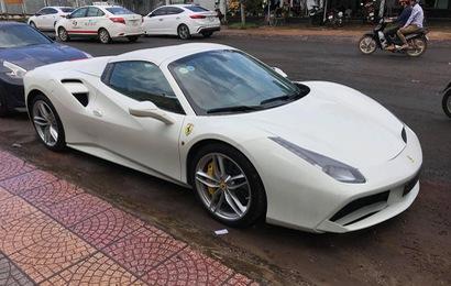 Dân chơi Bình Phước tậu siêu xe Ferrari 488 Spider màu trắng độc nhất Việt Nam
