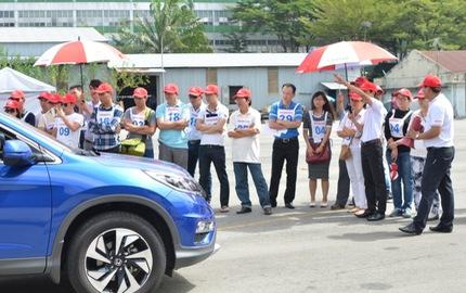 Honda Việt Nam tăng cường hướng dẫn lái xe an toàn cho khách hàng Việt