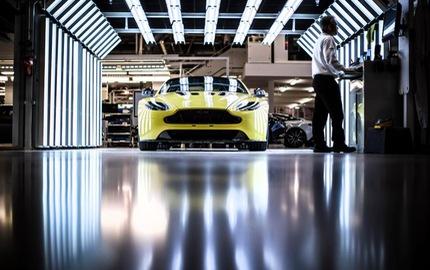 """Khám phá nơi sinh ra những chiếc Aston Martin """"hàng thửa"""" dành cho giới siêu giàu"""