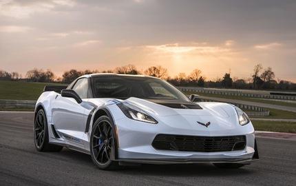 """Xe thể thao Chevrolet Corvette 2018 """"ra lò"""" với trang bị tiện nghi hơn"""