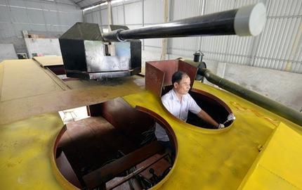 """Xe bọc thép 2 tỷ Đồng """"made in Vietnam"""" bị dỡ ra bán đồng nát"""
