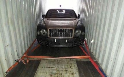 Bentley Mulsanne EWB 2017 đầu tiên cập bến Việt Nam