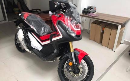 Lô hàng xe tay ga 750 phân khối Honda X-ADV đủ màu sắc cập bến Việt Nam, giá từ 560 triệu Đồng