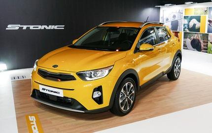 Dù có giá chưa đến 400 triệu Đồng, Kia Stonic vẫn bán thua người anh em Hyundai Kona
