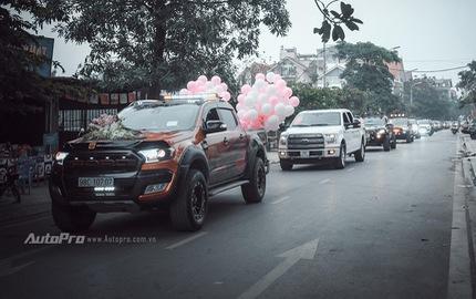 Dàn xe bán tải Ford Ranger đón dâu trên phố Hà thành