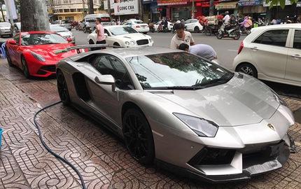 """Dàn siêu xe rủ nhau """"tắm nắng"""" tại Sài thành"""