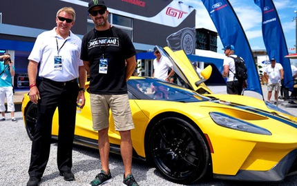"""""""Vua"""" drift Ken Block trong Gymkhana thử tài điều khiển siêu xe Ford GT 2017"""
