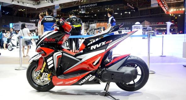 Bộ đôi Yamaha NVX 155 độ chính hãng ấn tượng tại triển lãm VMCS 2017