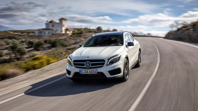 Tiện nghi hơn với SUV hạng sang Mercedes-Benz GLA 2016