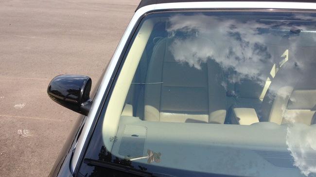 Mẹo giữ kính chắn gió luôn sạch ngay cả khi trời mưa