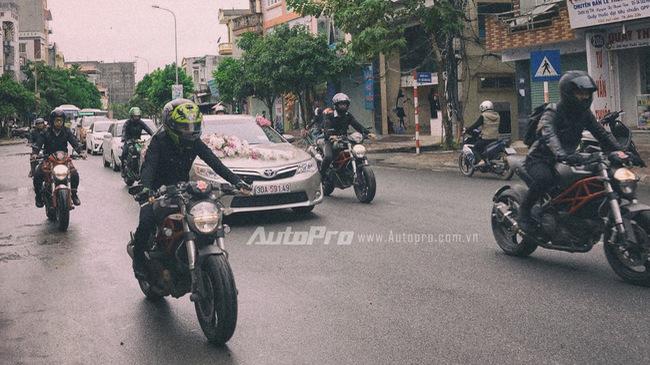 Dịch vụ mới: Thuê biker đi xe phân khối lớn hộ tống xe đón dâu
