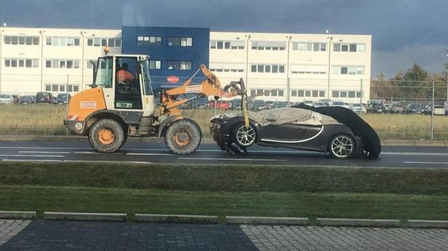 Bugatti xác nhận tai nạn đầu tiên của siêu xe Chiron, do người lái thiếu tập trung