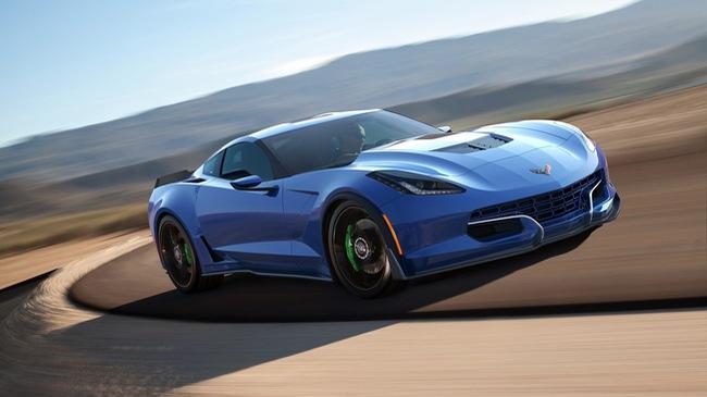 """Chevrolet C7 Corvette chạy điện đầu tiên trên thế giới có giá """"giật mình"""""""