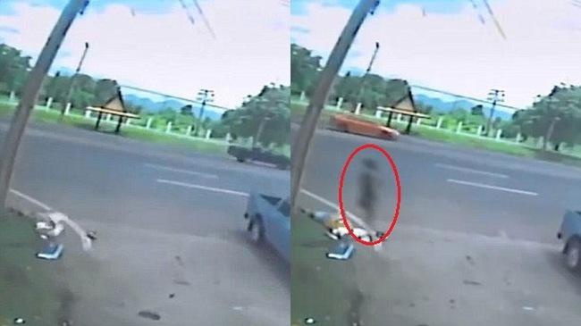 Bóng đen bí ẩn bên cạnh thi thể người phụ nữ tử vong sau tai nạn