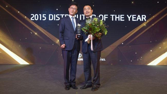 """Hyundai Thành Công nhận giải thưởng """"Nhà phân phối của năm"""""""