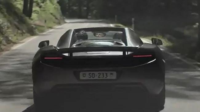 """McLaren 12C Spider chạy nhiều như """"xe cỏ"""" của một doanh nhân giàu có"""
