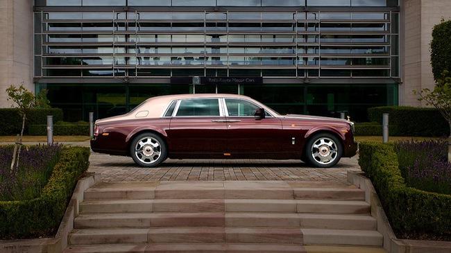 """Rolls-Royce Phantom Lửa thiêng của Việt Nam lên """"báo Tây"""""""