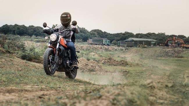Đánh giá Ducati Scrambler Sixty2: Công tử đô thành