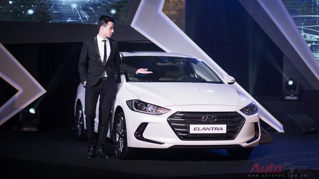 Video chi tiết Hyundai Elantra 2016 giá từ 615 triệu Đồng