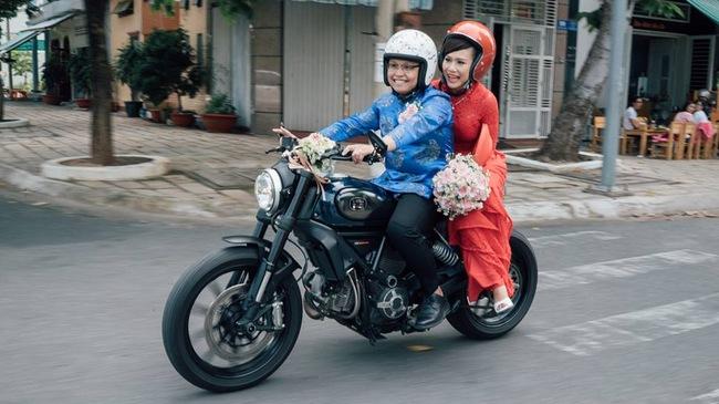 Dàn mô tô phân khối lớn Ducati rước dâu tại Bà Rịa-Vũng Tàu