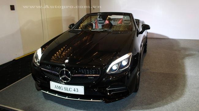 Mercedes-Benz SLC 43 2017 đầu tiên cập bến Việt Nam, giá từ 3,6 tỷ Đồng