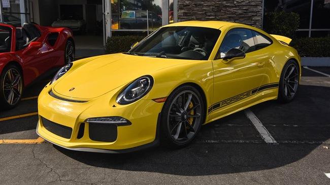"""Hàng hiếm Porsche 911 R có giá """"khóc thét"""" 23 tỷ Đồng"""
