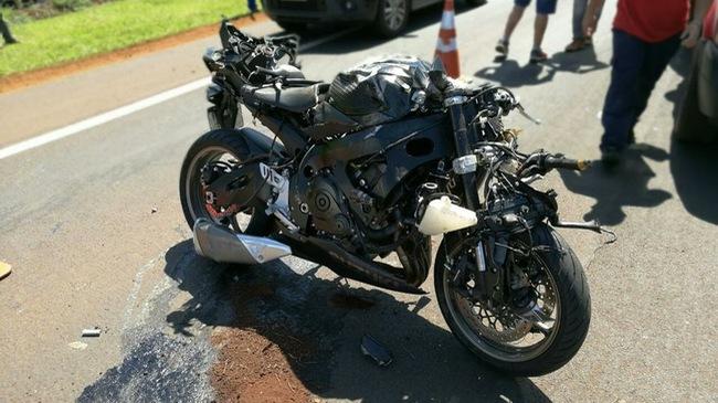 Biker lái Suzuki GSX-R750 ở tốc độ trên 180 km/h gây tai nạn kinh hoàng