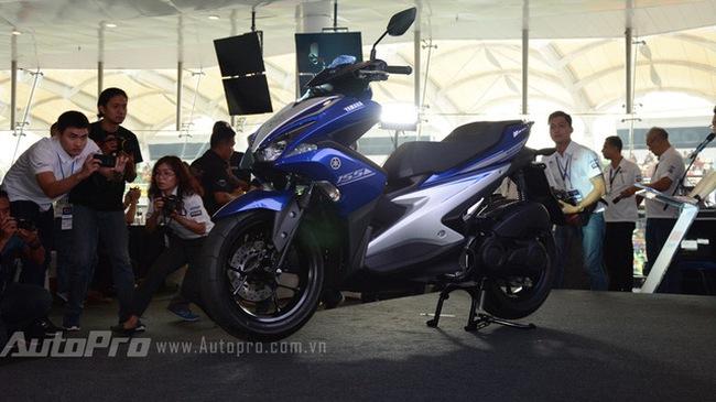"""Yamaha NVX 155 """"đội giá"""" nhẹ tại đại lý, không có chuyện khan hàng"""