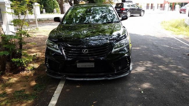 Hết Fortuner lại đến Toyota Camry được độ theo phong cách Lexus