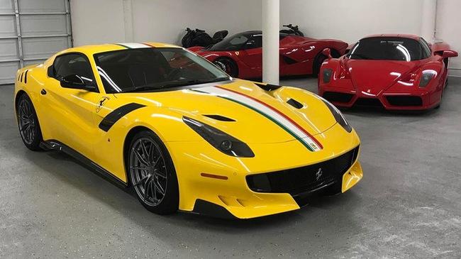 Cận cảnh siêu xe Ferrari F12tdf có một không hai của ông chủ hãng trang sức