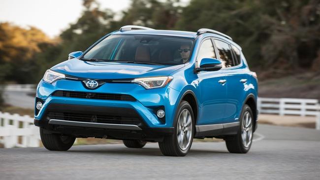 Cứ chê nhàm chán đi, xe Toyota vẫn bán chạy nhất tại 49 quốc gia trên toàn cầu!