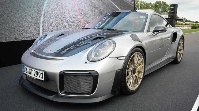 Porsche 911 phiên bản nhanh và mạnh nhất chính thức trình làng