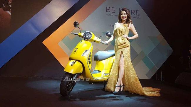 Vespa GTS 300 được chốt giá 120 triệu Đồng tại Việt Nam, rẻ hơn một nửa so với Honda SH300i